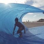 よしっ、今年はTarp Surfing(タープサーフィン)でチューブに入るよ!